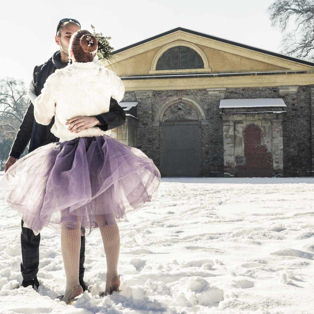 valentina esposito fotoreporter matrimonio inverno sposi sulla neve che si baciano