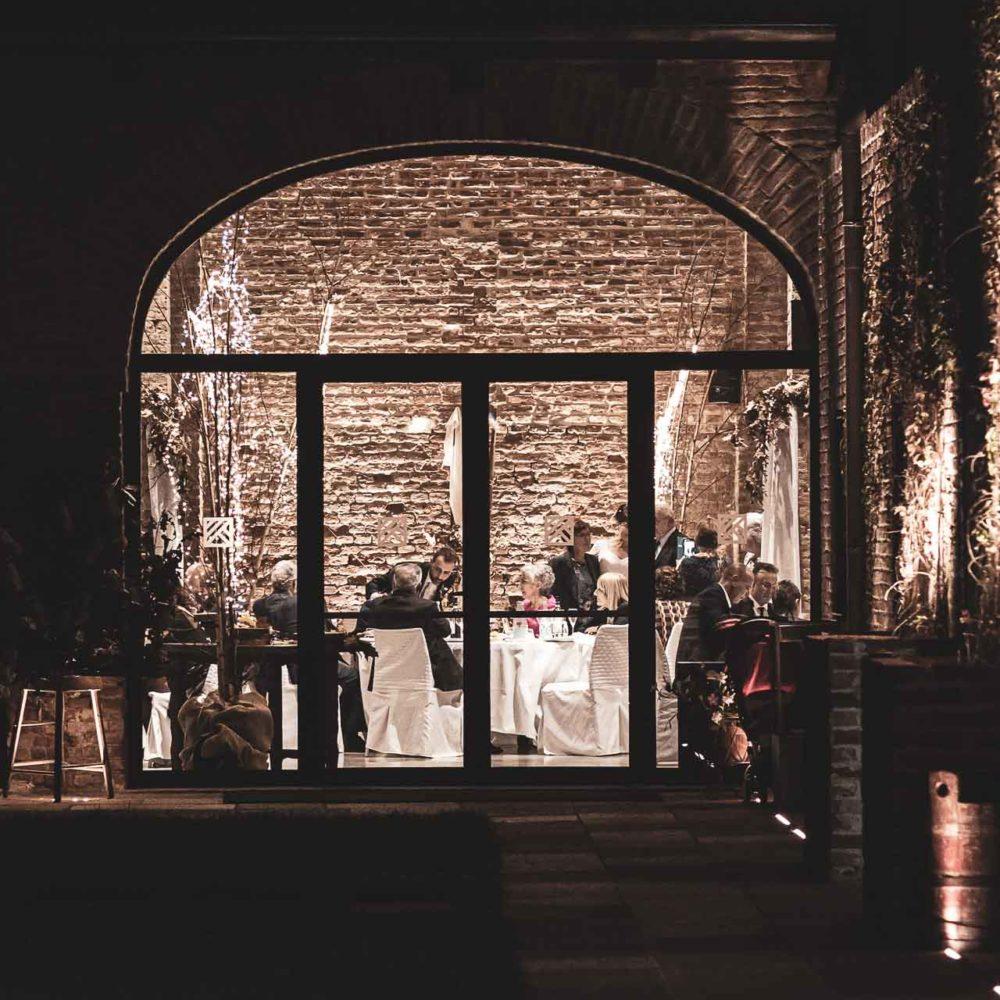 valentina esposito fotoreporter matrimonio autunno esterno ricevimento notturno